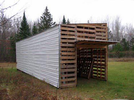 Upcycled Pallet Barn Pallet Huts, Cabins & Playhouses