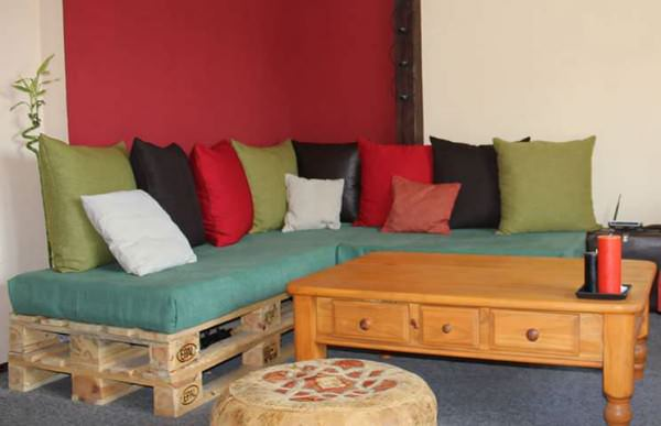Repurposed Pallet Sofa Living Room Pallet Projects Pallet Sofas