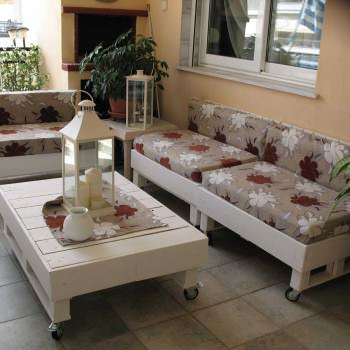 Sofa And Coffee Table Made From Recycled Pallets