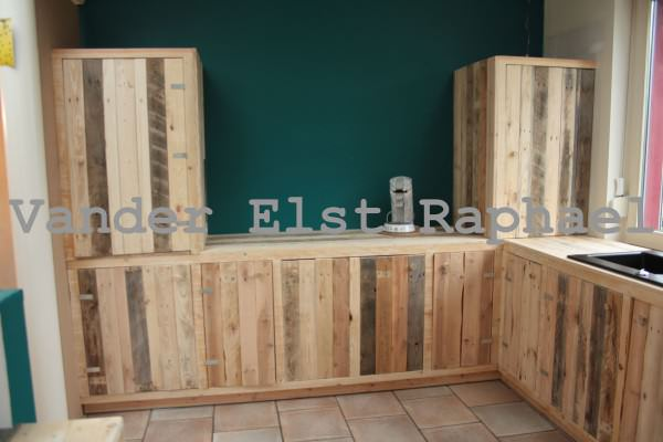 Kitchen Makeover With Recycled Pallets Kitchen Pallet Projects