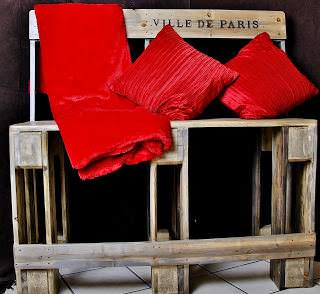 Pallet Bench Project: Sturdy High Bench Made From Salvaged & Re-purposed pallets