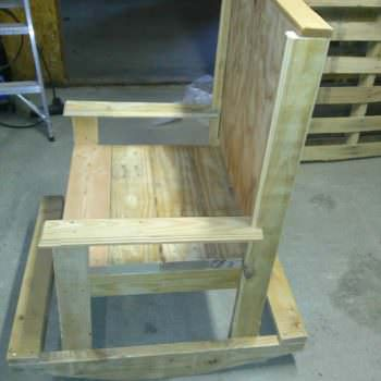 Furnitures Made From Wooden Pallets
