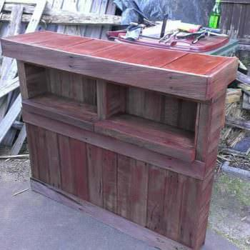 Pallet Bar with Fence Palings