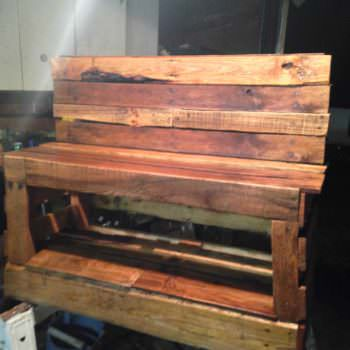 A Pallet Shoe Changing Storage Bench
