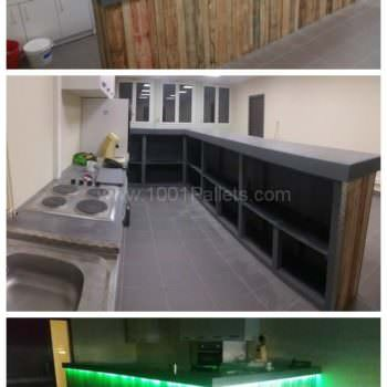 Pallets Bar With Lights